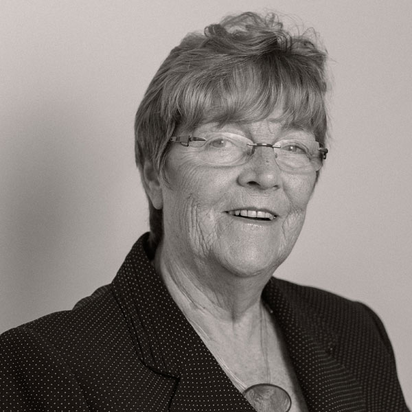 Angela Dickens